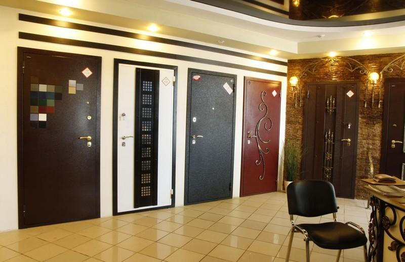na_chto_nuzhno_obrashhat_vnimanie_pri_vybore_stalnoj_dveri_2