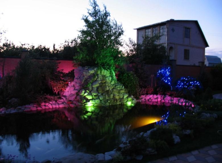 Украшаем сад декоративным освещением